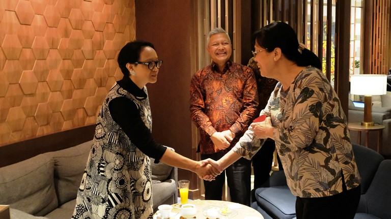 Menteri Retno Temui Sejumlah Pengusaha Vietnam