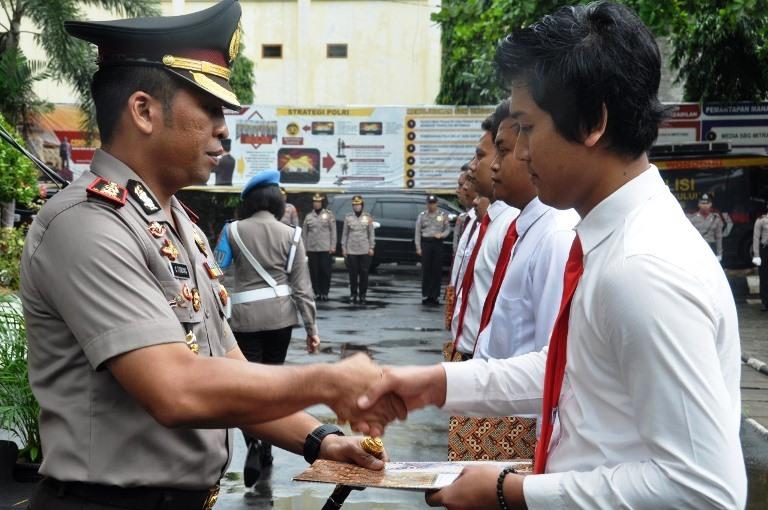 Berprestasi, Anggota Sat Reskrim Polres Wonogiri Dapat Penghargaan