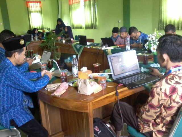 Virus Corona Merebak, SMP Birrul Walidain Sragen KBM Secara Online ...